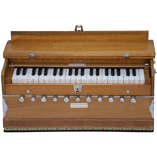 MAHARAJA Harmonium 11 Stopper – 3½ Octave – With Coupler, Come with Book & Bag – Tuned to A440 (PDI-AAE)