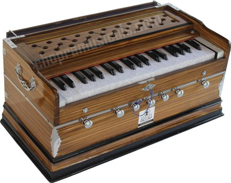 PROFESSIONAL HARMONIUM 7 STOPS (4 Main & 3 Drone), 3¼ OCTAVES, 39 KEYS 7 FOLD BELLOW, COUPLER FUNCTION, BASS/MALE,TUNED=A440 Hz with Padded Cover a Chopra Musicals Make